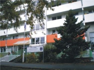 Das Senioren Centrum Haus Pappelhof liegt verkehrsgünstig, aber dennoch in ruhiger Lage, umgebe...