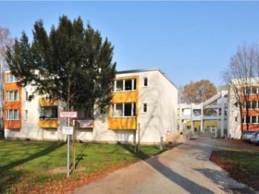 Das Max Grunwald Haus bietetService Wohnen für Seniorinnen und Senioren. Dabei wird beson...