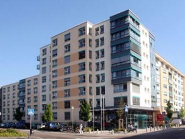 Das Wohnstift Hanau, eine Pflegeeinrichtung im Norden von Hanau, wurde im Jahr 1999 durch die Alten-...