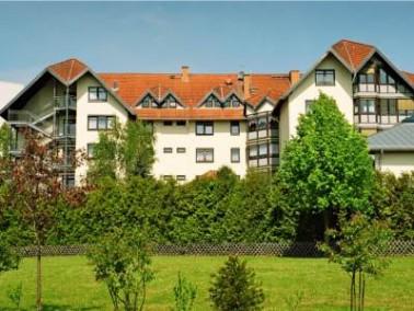 Umgeben von Feldern, Wäldern und Wiesen liegt das Seniorenzentrum Taunusstein im grünen St...
