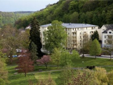 Im Naherholungsgebiet Schlangenbad liegt die  Residenz & Hotel