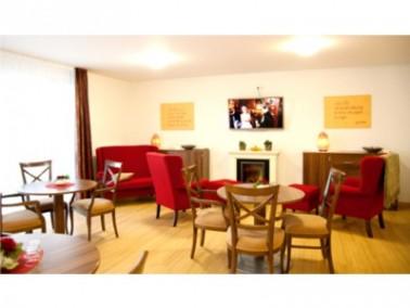Das Anna-Müller-Haus liegt mit seinen zwei Gebäuden in einem ruhigen Wohngebiet in Bad Cam...