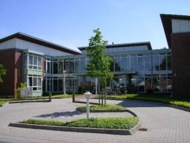 Das DRK-Seniorenheim Haus am Dobrock befindet sich am nordöstlichen Rand der niedersächsischen Gemei...