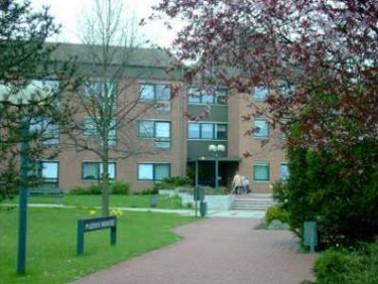 Das Pflegeheim Badenstedt wurde 1984 am westlichen Stadtrand von Hannover im Stadtteil Badenstedt er...