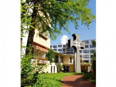Das Christophorusstift liegt in der Hammersteinstraße in der Weststadt Hildesheims. Es ist ein...