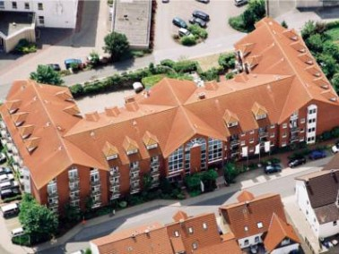 Der schöne Backsteinbau des Senioren-Wohnparks liegt zentral im historischen Städtchen B&u...
