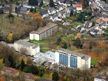 Lage und Angebot   Das Haus Gracht liegt an der Grenze zur Stadtmitte und zum Stadtteil Heißen...