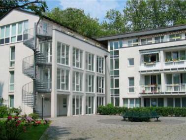 Die gepflegte Wohnanlage liegt im Stadtteil Bulmke. Fußläufig zur  Immobilie befinden s...