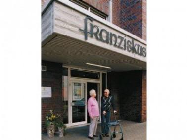 Öffentliches Leben und Kontakt   Im Herzen von Gelsenkirchen Buer direkt an der Fußg&aum...
