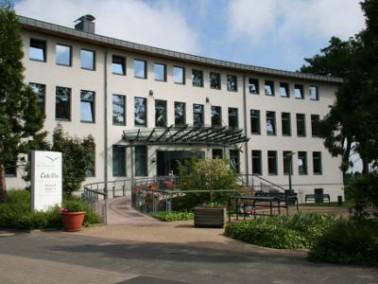 Das Pflegezentrum Am Wiesenhof liegt nahe dem Stadtkern von Rheinberg. Die Innenstadt bietet dem Bes...