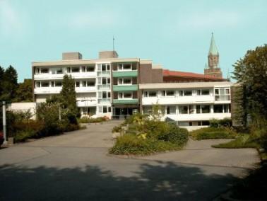 Das Altenzentrum St. Kilian befindet sich im Stadtteil Letmathe, im Südwesten Iserlohns, am Nor...