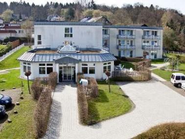 Das Haus Flammberg liegt nordwestlich von Arnsberg im Amt Hüsten unweit der Ruhr. Wiesen und Wälder ...
