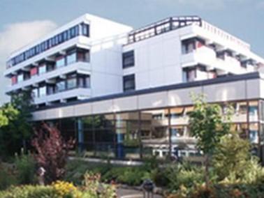 Im lieblichen Taubertal wird im Seniorenzentrum Haus Heimberg in Tauberbischofsheim seit 30 Jahren e...