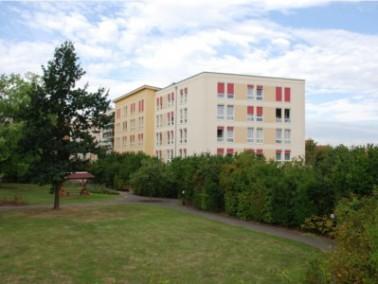"""Das Altenpflegeheim """"Sonnenschein"""" befindet sich in sonniger Lage im Westen der Stadt Le..."""
