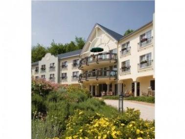 Die Einrichtung   Das CURA Seniorencentrum Oelsnitz liegt direkt im schönen, idyllischen Erzge...