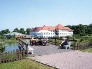Der großzügig angelegte Senioren-Wohnpark Aschersleben liegt am Rande von Parks und Gr&uu...