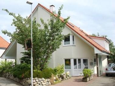 Das Haus Uthaven in Brunsbüttel besteht aus zwei Gebäuden, in denen insgesamt 49 Senioren ...