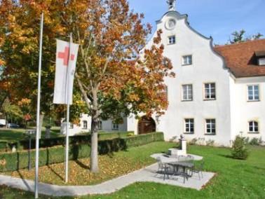 Das Seniorenheim Schloss Eggmühl befindet sich zentral am Kirchplatz Eggmühls. Eggmüh...