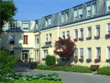 Umgebung     Das Alten- und Pflegeheim St. Nikolaus liegt am Rande von Kraiburg am Inn. Die Bewohner...