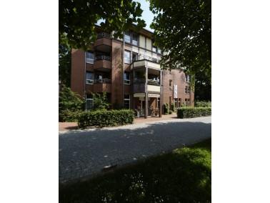 Das Altenpflegeheim Theodor-Fliedner-Haus ist Teil der parkähnlichen Anlage des Evangelischen J...