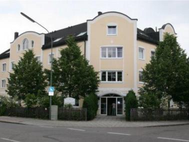 Die Beethoven Senioren-Residenz liegt am südlichen Stadtrand Münchens im attraktiven Wohng...