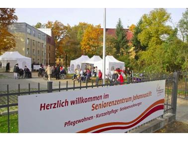 Inmitten einer kleinen Parklandschaft, unweit der Spandauer Altstadt und den Arcaden, befindet sich ...
