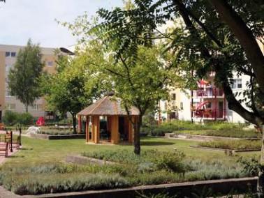 Das Senioren-Domizil Lichtenberg besteht aus einer vollstationären Pflegeeinrichtung, Betreuten...