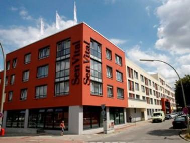 Das Senioren- und Pflegezentrum   In einer ruhigen Wohngegend liegt das 2010 neu erbaute SenVital Se...
