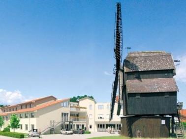 In unmittelbarer Nähe zur historischen Bockwindmühle aus dem Jahr 1704, wurde im Mai 2008 ...