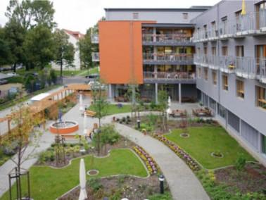 Der Senioren-Wohnpark Dresden – Am Großen Garten liegt, wie der Name erahnen lässt, gegenüber dem Gr...