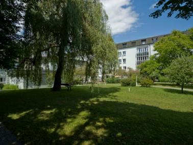 Caritas-Altenheim Marienstift Dachau-  Wohnen nach Maß       Sie suchen ein neues Zuhaus...