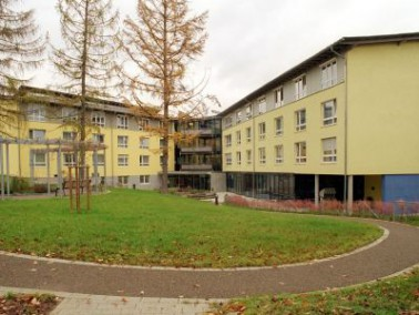 Das 1972 eröffnete Altenzentrum Haus Augustinus liegt am Stadtrand von Sindelfingen, umgeben vo...