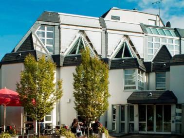Leistungen    Die Ruhe Ihres eigenen Apartments und das harmonische Miteinander: Im CBT-Wohnhaus St...