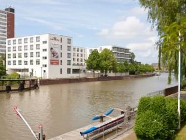 Die vollstationäre Senioren- und Pflegeeinrichtung AMARITA Bremerhaven liegt wenige Gehminuten ...
