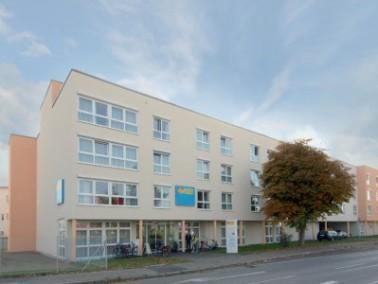 Kirchheim unter Teck ist eine Fachwerk- und Marktstadt etwa 25 Kilometer südlich von Stuttgart ...