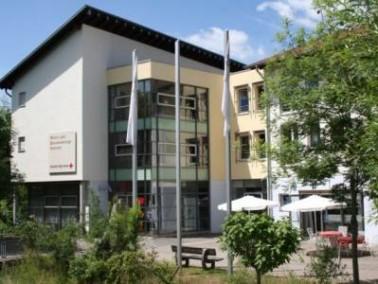 Das Wohn- und Dienstleistungszentrum Weilerbach liegt inmitten des Ortes Weilerbach, der elf Kilomet...