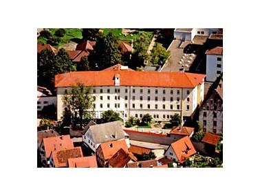 Nur 20 Kilometer vom Bodensee entfernt liegt die Gemeinde Pfullendorf, die mit ihrem milden Klima un...
