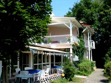 Das Seniorenpflegezentrum Drei Linden befindet sich in dem beschaulichen Ort Großostheim-Pflau...