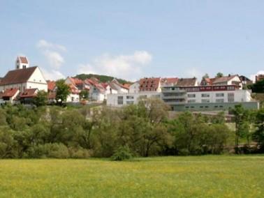 Das Altenzentrum St. Antonius liegt am Fuße der historischen Oberstadt mit weitem Blick ü...
