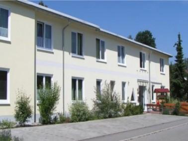 Das Pflegeheim Stegwiesen wurde im September 2003 nach einer Modernisierungsphase neu eröffnet....