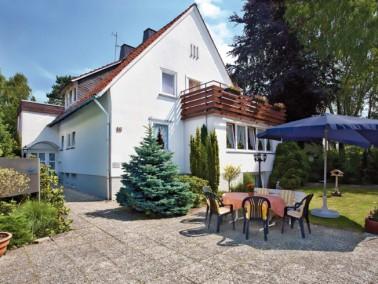 Wohnen im familiären Ambiente in der Nähe von Hannover, das bietet das DANA Pflegeheim Hol...