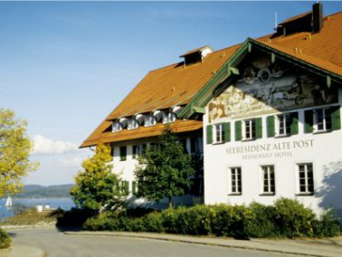 Stilvoll leben und wohnen am Starnberger See!    Oberhalb des Seeufers am Starnberger See im Zentru...