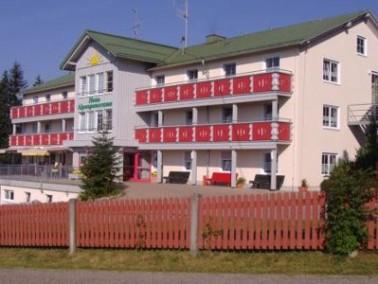 """Das Pflege- und Betreuungsheim """"Haus Alpenpanorama"""" liegt in schönster Panoramalage mit freiem Blick..."""