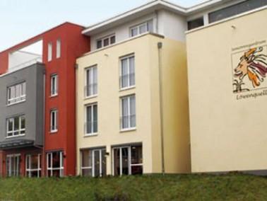Das Seniorenzentrum Löwenquell liegt im schönen Kur- und Urlaubsort Bad Rodach. Die Einric...