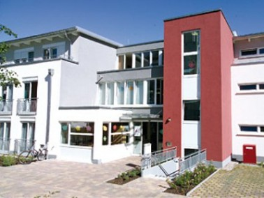 Nur wenige Gehminuten von der Altstadt Speyers entfernt liegt das Seniorenzentrum Storchenpark. Den ...