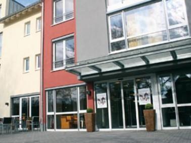 Das Seniorenzentrum Lustgarten befindet sich inmitten einer ruhig gelegenen Wohngegend. In der N&aum...