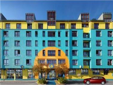 Das Wohnstift Vitalis befindet sich im Nürnberger Stadtteil Muggenhof und ist in Deutschland das ers...