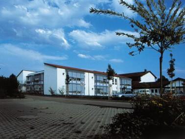 Die Diakoniestation Dettenhausen der Samariterstiftung Nürtingen befindet sich im 12 Kilometer ...