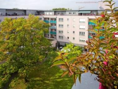 Zentral und doch ruhig liegt der Seniorenwohnpark Neulichtenhof im gleichnamigen Wohngebiet Neulicht...