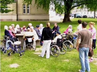 Das Seniorenzentrum Stampfmühle betreut Patienten aller Pflegestufen stationär. Es liegt i...